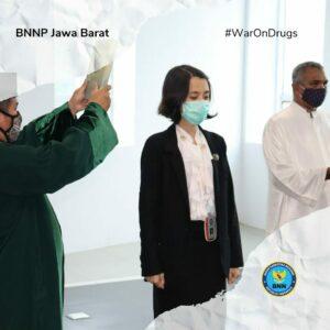 PELANTIKAN DAN PENGAMBILAN SUMPAH JABATAN PEJABAT FUNGSIONAL DI LINGKUNGAN BNNP JAWA BARAT